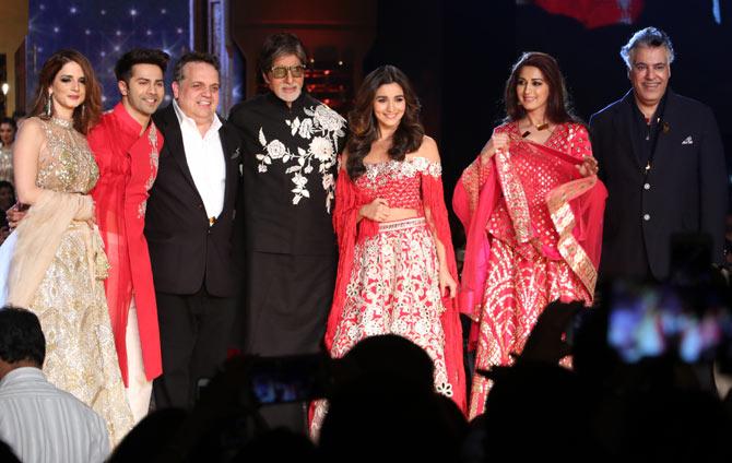 Image result for Amitabh Bachchan stole the Abu Jani-Sandeep Khosla show!