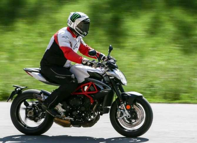2017 MV Agusta Brutale 800: You will love this Italian diva!