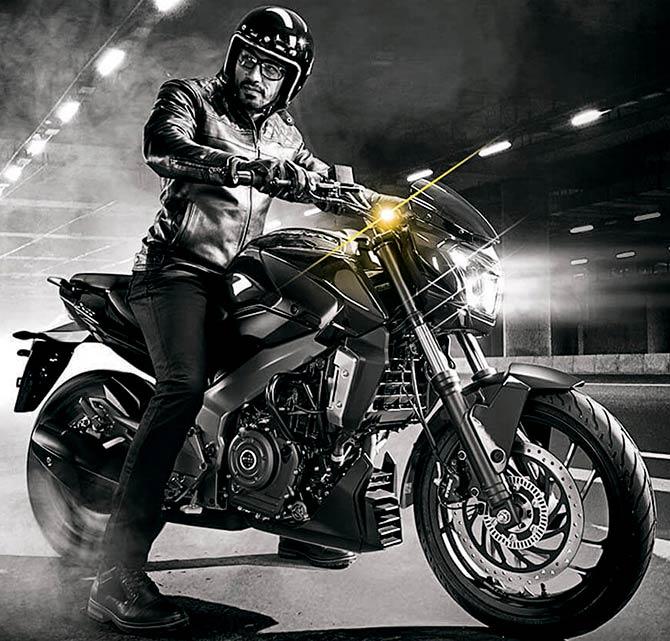 Bike Wars: Bajaj Dominar vs KTM 390 Duke - Rediff com Get Ahead