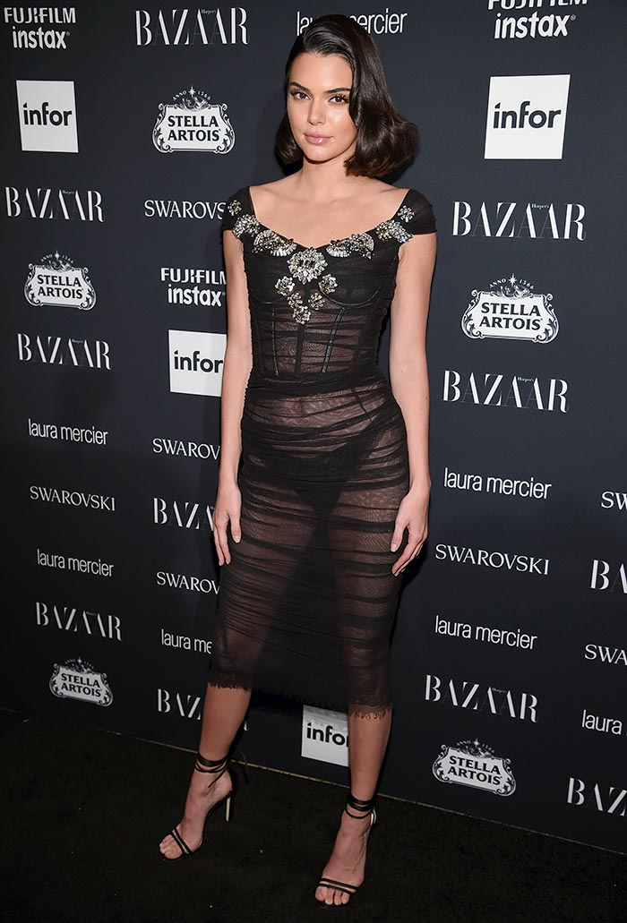 Kendall S Black Dress Is Too Hawt To Ignore Rediff Com