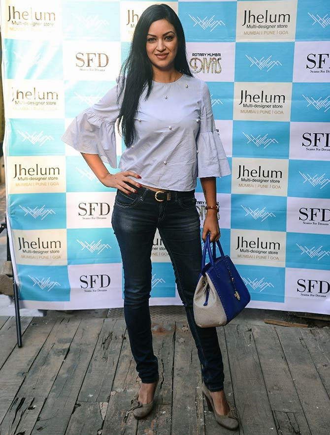 Evelyn Sharma raises funds for Seams for Dreams