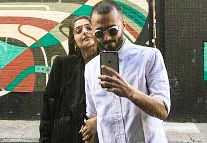 #CoupleGoals: Sonam-Anand's love story is just perfect!