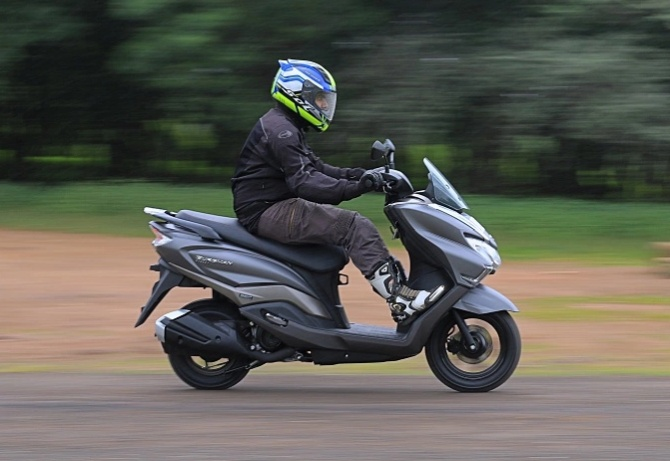 Review: Is the Suzuki Burgman Street better than the Access 125