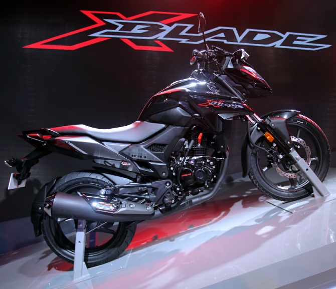 PICS: Brand New 160cc X-Blade unveiled at Auto Expo 2018