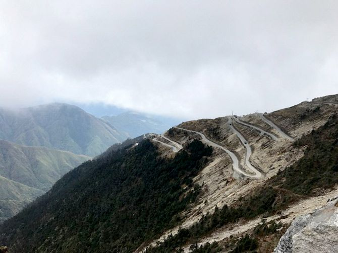 Snaking up to Sela Pass