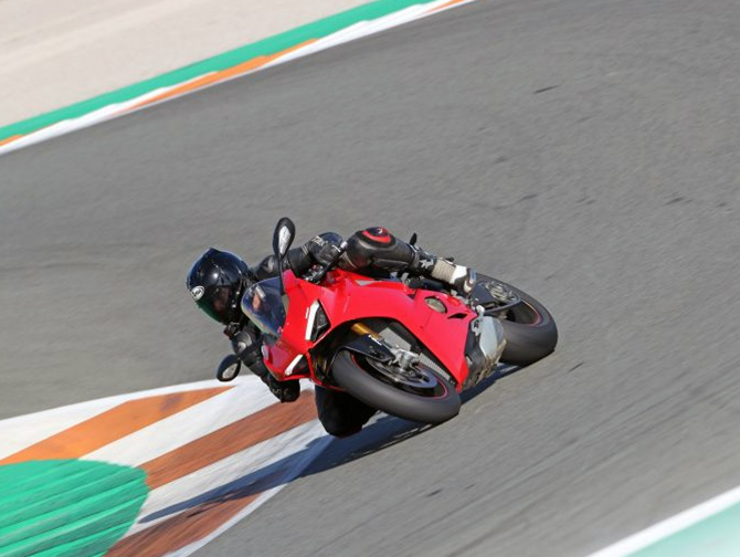Is Ducati Panigale V4 the undisputed king of superbikes