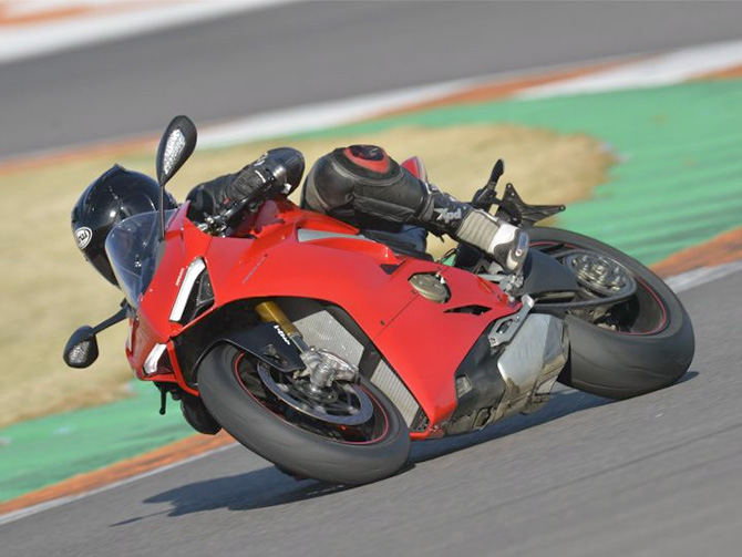 Is Ducati Panigale V4 the undisputed king of superbikes?