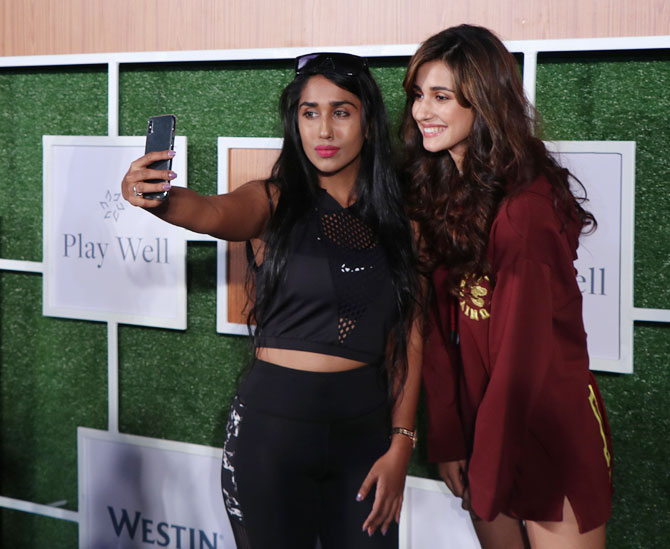 Disha joins for a selfie