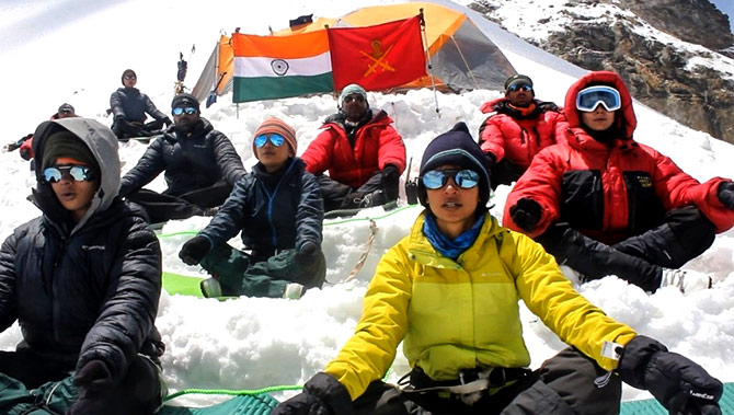 Army women perform yoga on Himalayas