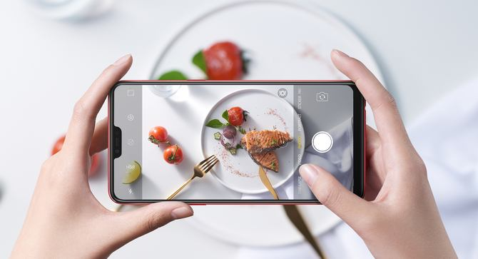 Oppo F7: A phone for the selfie-obsessed!