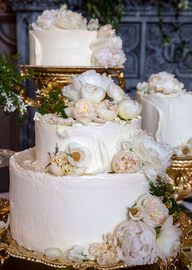 pictures of royal wedding cake 2018 photos what went into the royal wedding cake 18428