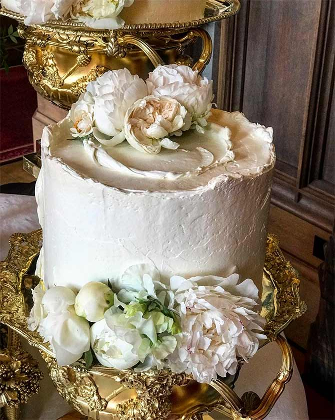 making a wedding cake ahead of time photos what went into the royal wedding cake 17045