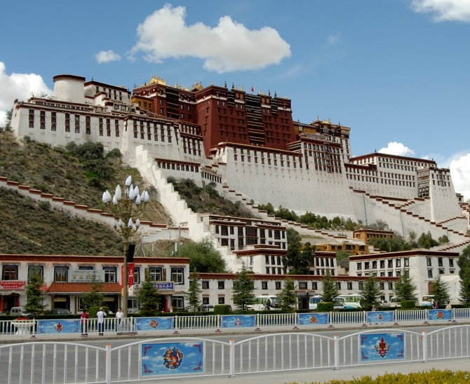 The Potala Palace was the official palace of the Dalai Lama in the 18th century