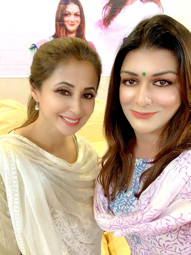 Apsara Reddy with Urmila Matondkar