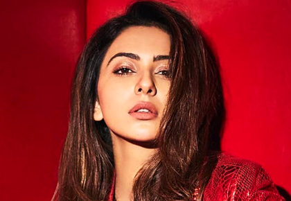 Red hot! Rakul Preet will make you blush