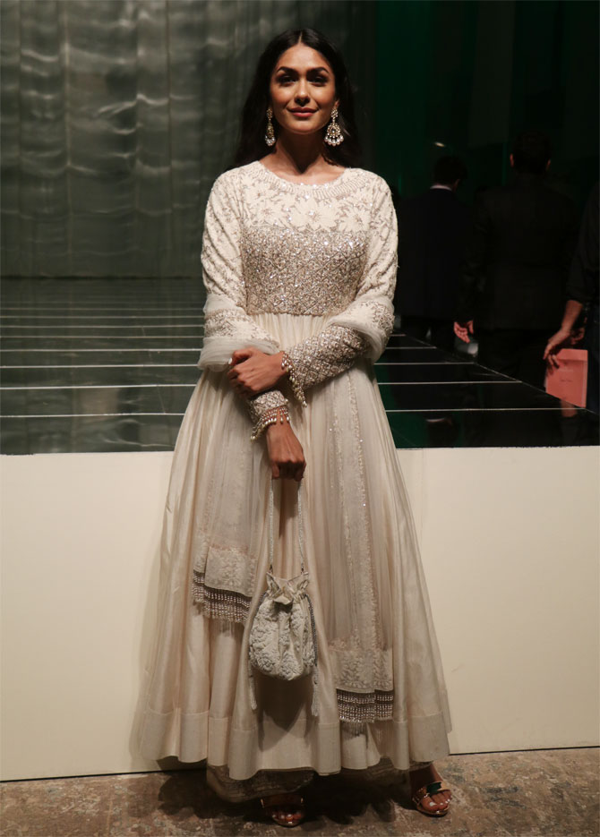 Mrunal Thakur attends Manish Malhotra's show at Lakme Fashion Week Winter/Festive 2019 in Mumbai