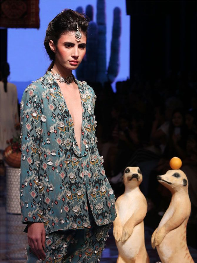 LFW: Payal Singhal collection
