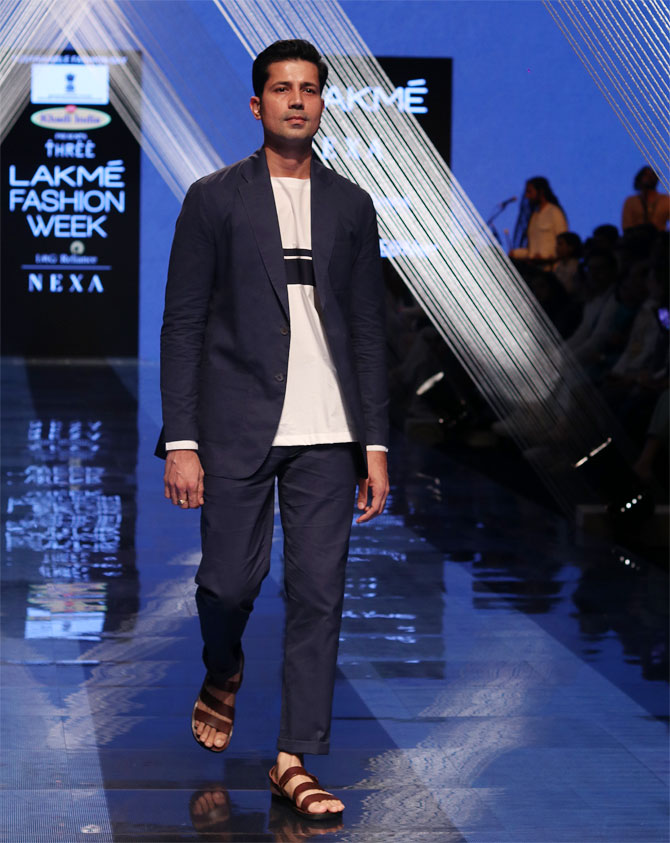 Sumeet Vyas walks for Three at Lakme Fashion Week