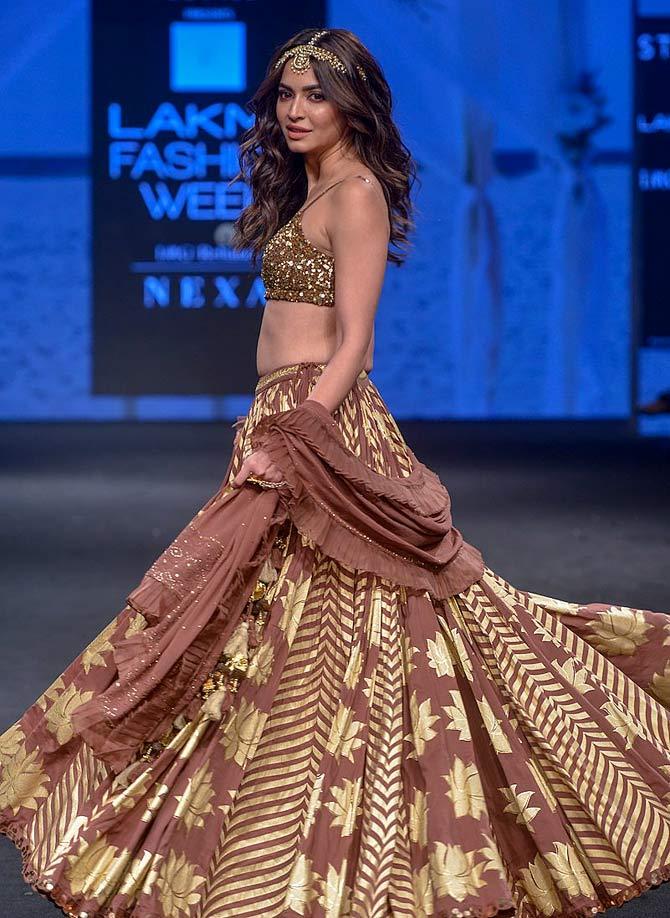 Kriti Kharbanda walks the ramp at Lakme Fashion Week
