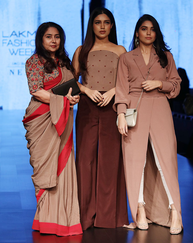Bhumi with her mother, Sumitra Hooda Pednekar, and sister, Samiksha.