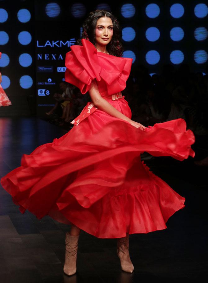 Yami Gautam walks for Gauri and Nainika