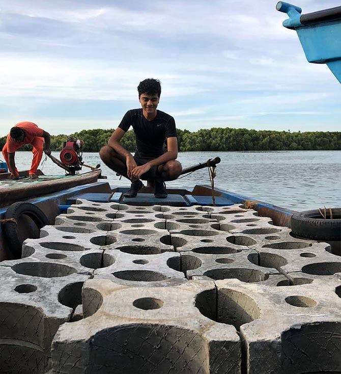 17 वर्षीय किशोर प्रवालों और समुद्री जीवों का रक्षक