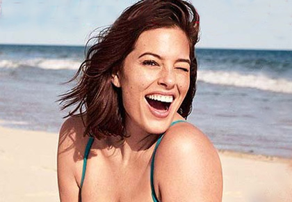 Ashley Graham flaunts her curvaceous bikini bod