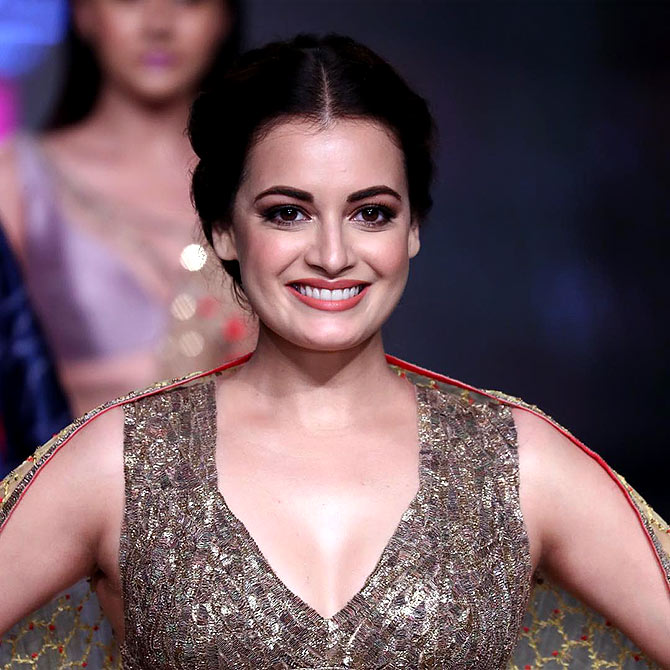Pix: Dia Mirza flaunts toned abs and midriff - Rediff.com Get Ahead