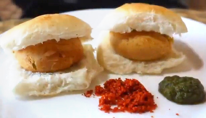 Vada Pav with dry red chutney
