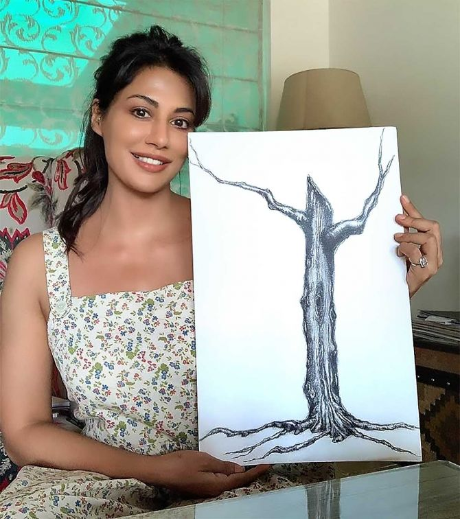 Celebs contribute for 'Artwork for Heartwork'