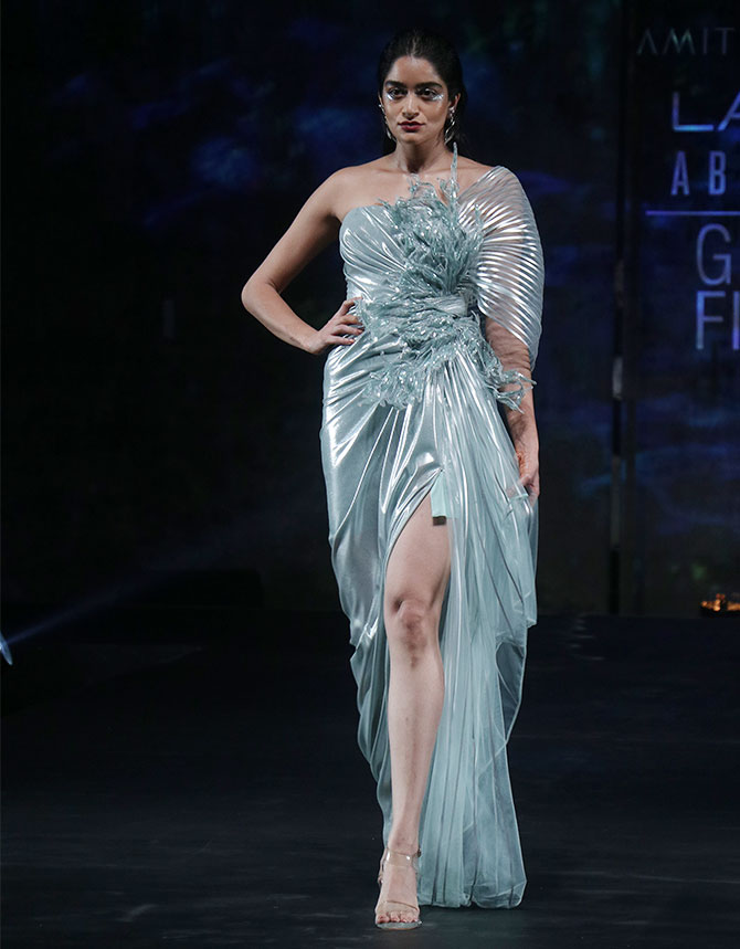 Kareena Kapoor walks for Amit Aggarwal at the Lakme Fashion Week in Mumbai
