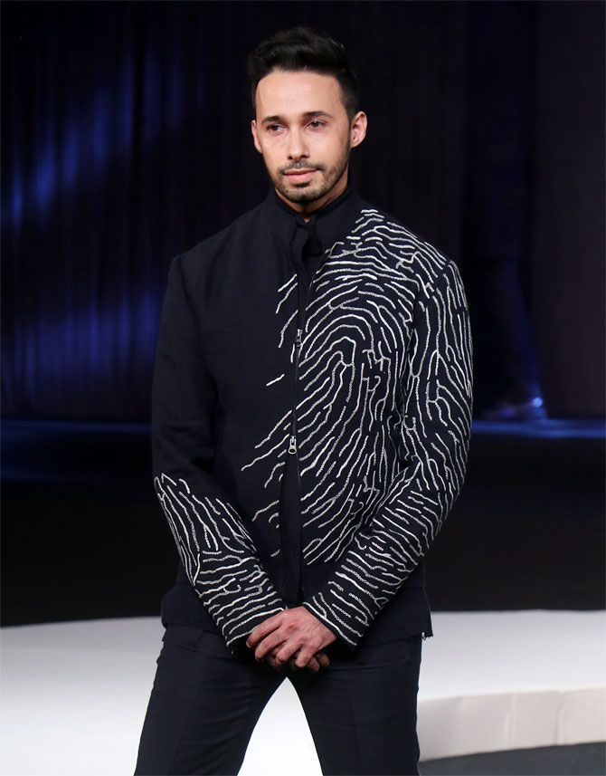 Rizwan Bachav walks for Sushant Abrol at Blenders Pride Fashion Tour