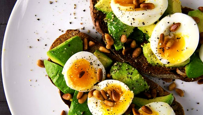 Eggs and avocado can help calm anxiety