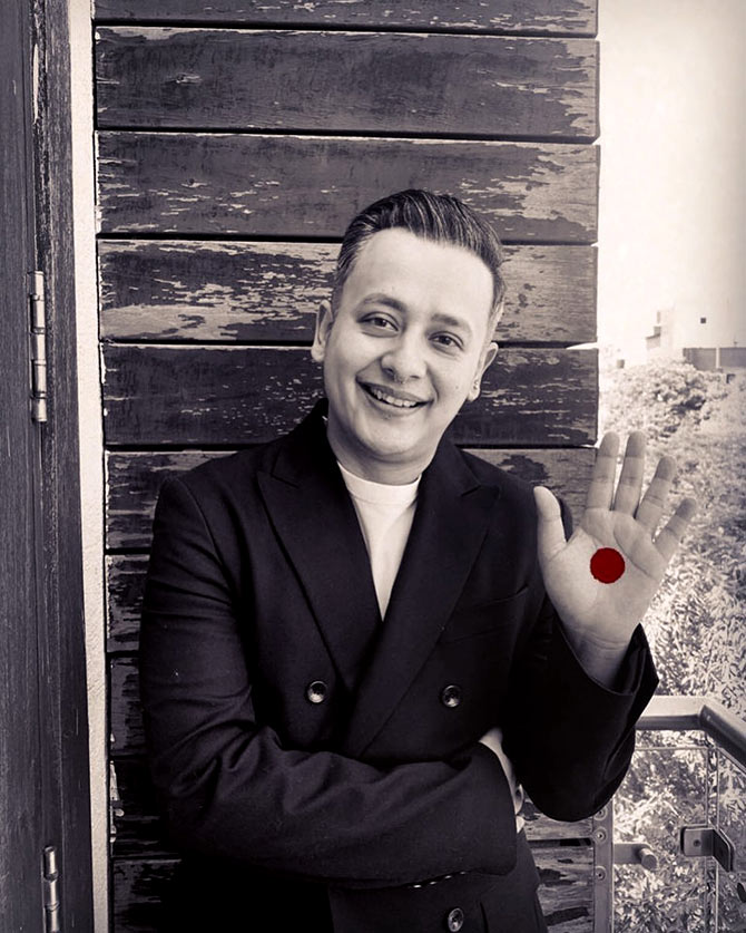 Celebs take the Red Dot Challenge