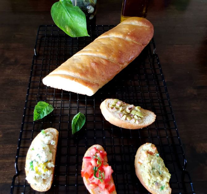 Footlong bread crostinis
