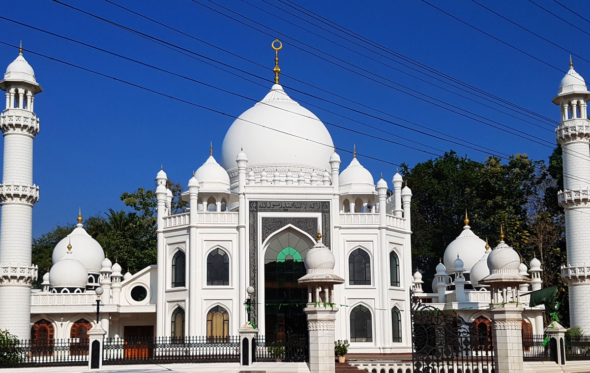 The Hindu who built 111 mosques, 4 churches, 1 temple