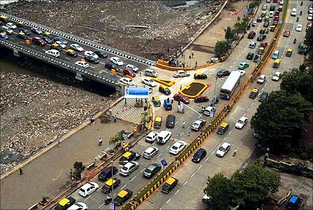 About 1.25 lakh (125,000) vehicles are expected to travel on the bridge daily.