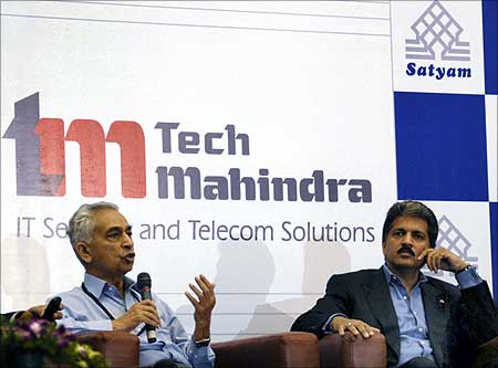 Vineet Nayyar, executive vice-chairman, Tech Mahindra, with Anand Mahindra, chairman of Tech Mahindra.