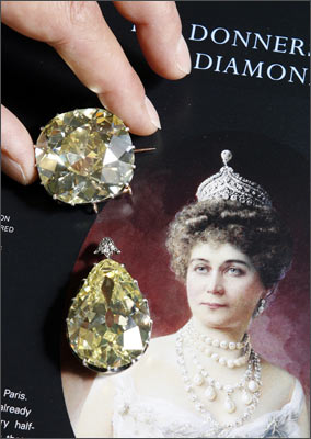 The Donnersmarck diamonds seen next to a portrait of Princess Katherina Henckel von Donnersmarck