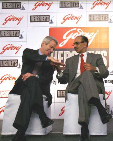 Richard H Lenny (left), CEO of Hershey Co, with Adi Godrej, chairman of Godrej.