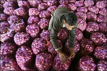 Onion prices to rise, I-T raids continue