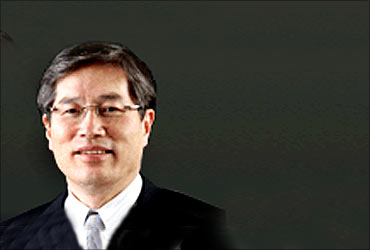 Moon Bum Shin, Managing Director, LG India.