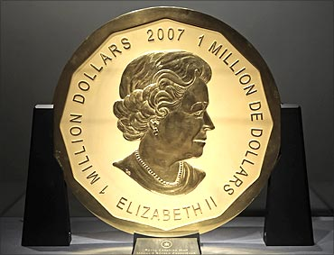 World's largest gold coin.