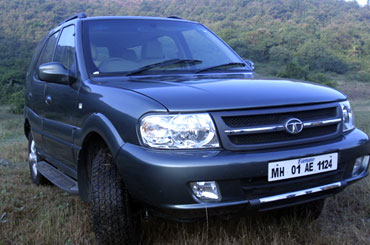 Tata Safari.