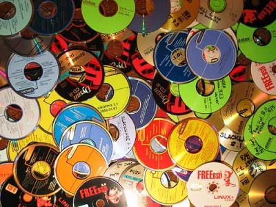 Users dump CDs, move to digital music