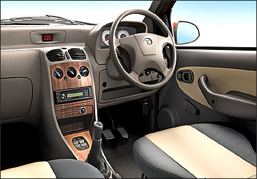 Dashboard of Vista eV2.