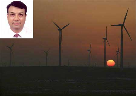 (Inset) Sumant Sinha, chairman & CEO, ReNew Wind Power.