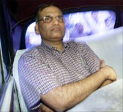 Harshad Mehta's brother, 8 SBI officials acquitted in 1992 securities scam