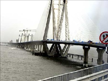 Rel Infra bags Rs 7000 cr Versova-Bandra sea link deal