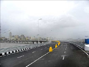 R-Infra to pay Rs 10-lakh fine daily over sea link pact